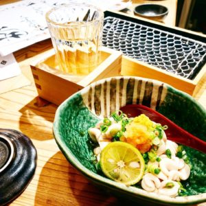 【天ぷらと寿司18坪(てんぷらとすしじゅうはちつぼ)】立ち飲み居酒屋!新鮮で美味しい魚介類も食べられる!
