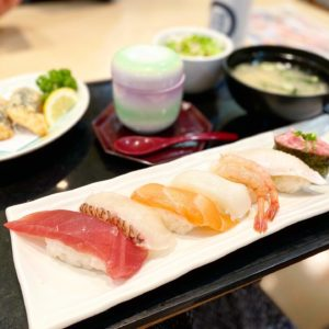 【富寿司(とみずし)】ながの東急百貨店前にある、お手軽に食べられるお寿司屋さん。ランチがお得!