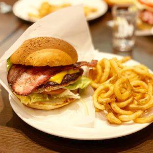 【マウンテンQ(まうんてんきゅー)】長野駅近くでめっちゃ美味いハンバーガーを食べるならココだ!