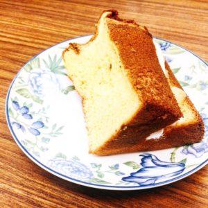 【いんかろーず】シフォンケーキならぬ、極ふわビスキュイ!季節のフルーツ生クリームを添えてどうぞ。宅配スイーツ!!