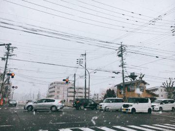 長野市は4月でも雪が降るんです。4月の入学式に雪が降るというジンクスも?