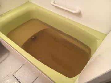 近くで水道管工事があったら、赤水が出る可能性が非常に高いので注意です。一時的なものなので心配いりません