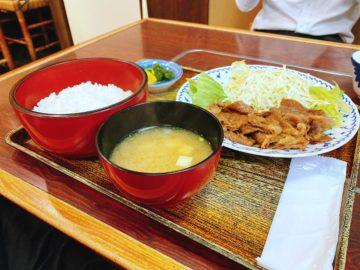 【牛見本店(うしみほんてん)】すき焼き定食やしゃぶしゃぶ定食も人気!昔ながらの定食屋さん。